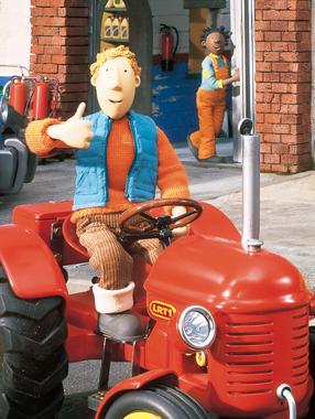 红色小拖拉机